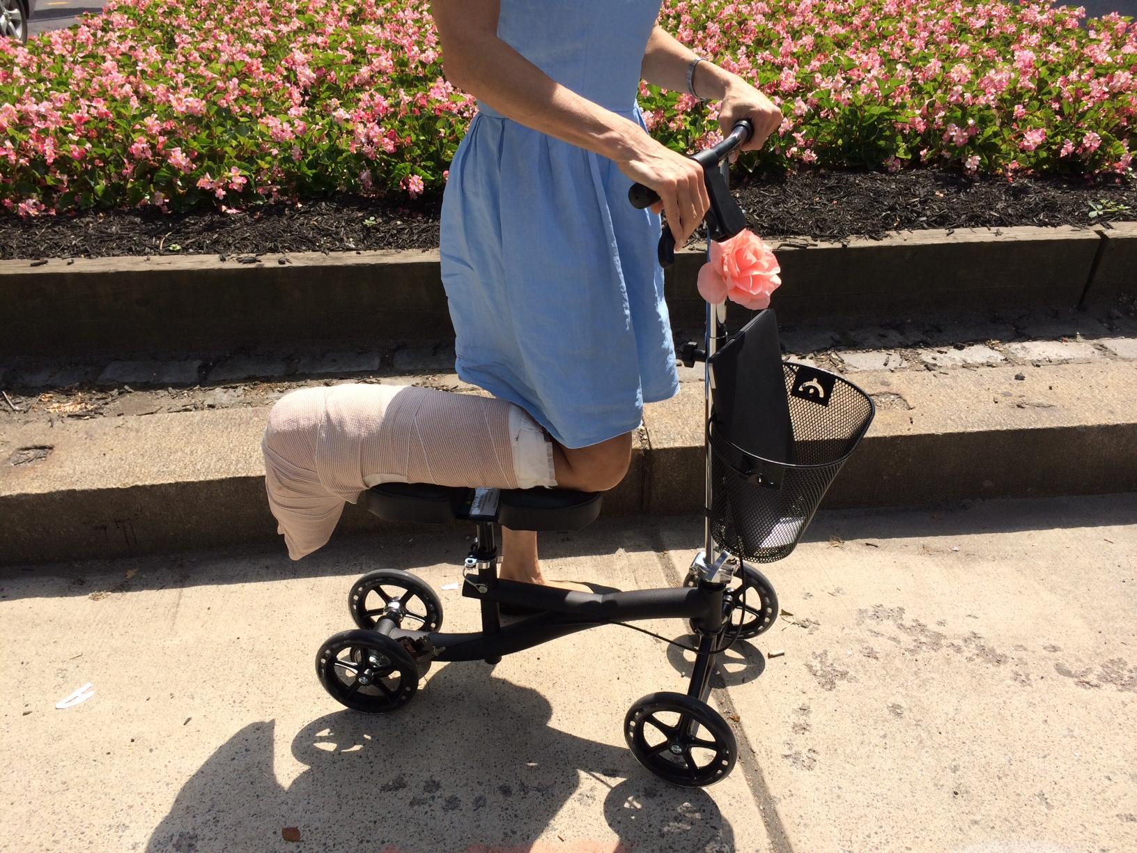 knee roller for leg injury